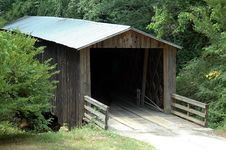 Free Old Covered Bridge Stock Images - 915844