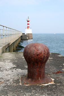 Free Bollard And Lighthouse Stock Images - 916024