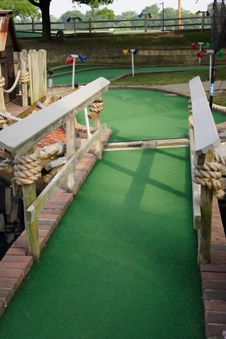 Free Miniature Golf Hole Royalty Free Stock Images - 916209
