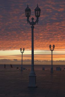 Free Streetlamp At Sunrise Royalty Free Stock Photo - 919605