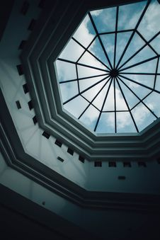 Free Skylight In Modern Building Royalty Free Stock Photo - 91054765