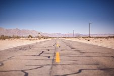 Free Asphalt Road Under The Clear Blue Skies During Daytime Royalty Free Stock Photos - 91105608
