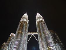 Free Petronas Towers By Night Royalty Free Stock Photography - 91107577