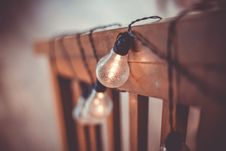 Free Light Bulbs On Wooden Fence Royalty Free Stock Images - 91251519
