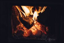 Free Wood Burning In Fireplace Royalty Free Stock Photo - 91384265
