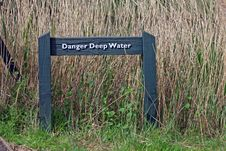 Free Warning Sign - Object Stock Photo - 9146900