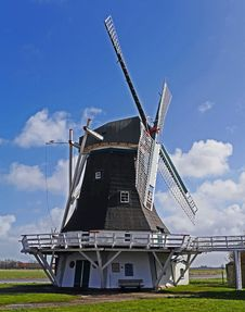 Free White And Black Wooden Windmill During Daytime Stock Image - 91629191