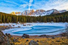 Free Winter On Mountain Lake Royalty Free Stock Photos - 91630728