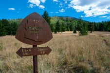 Free Arizona Trail-Bismarck Lake Trail Junction Stock Photo - 91755120