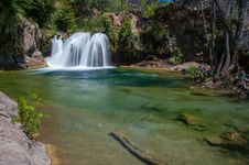 Free Waterfall Trail On Fossil Creek Stock Images - 91755734