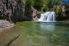 Free Waterfall Trail On Fossil Creek Royalty Free Stock Photo - 91755735