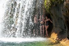 Free Waterfall Trail On Fossil Creek Stock Photography - 91755812