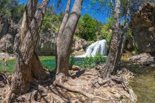 Free Waterfall Trail On Fossil Creek Royalty Free Stock Photo - 91756345