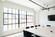 Free Modern Conference Room Royalty Free Stock Photo - 91757965