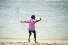 Free Boy Playing At The Beach Stock Photo - 91758620