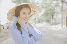 Free Asian Girl With Traditional Hat Royalty Free Stock Images - 91760139