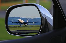 Free White Airplane Reflection On Car Side Mirror Stock Image - 91761391