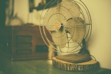 Free Old Vintage Wire Fan GE Rustic 2 Royalty Free Stock Images - 91767739