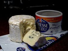 Free Bresse Bleu Cheese Royalty Free Stock Photography - 91772077