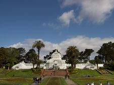 Free Conservatory Of Flowers In San Francisco Royalty Free Stock Photography - 91775157