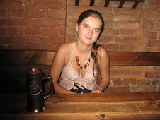 Free Girl In Pub Stock Photo - 91778310