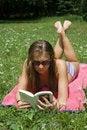 Free Lady Reading Royalty Free Stock Photo - 920365