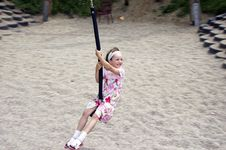 Free Young Girl Swinging 03 Stock Photography - 920812