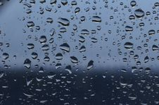 Free Raindrops 09 Royalty Free Stock Photography - 920847