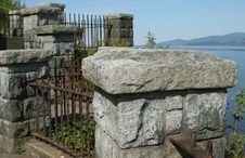 Free Winding Stone And Iron Fence Stock Image - 920961