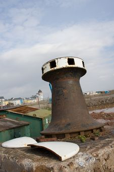 Free Rusty Capstan Royalty Free Stock Image - 921546
