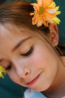 Free Flowers In Her Hair Stock Photos - 922263
