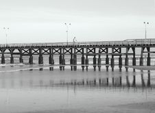 Free Wharf B&W Royalty Free Stock Photo - 926335