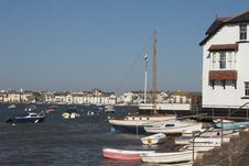Free Boats In Harbour In Estuary Royalty Free Stock Photography - 926967