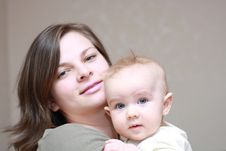 Free Happy Mother With A Young Baby Stock Photography - 9214142