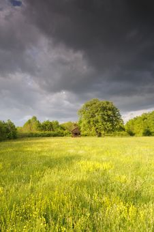 Free Severe Sky Above The Meadow Royalty Free Stock Images - 9218019