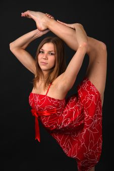 Free Flexible Young Woman Royalty Free Stock Photography - 9219717
