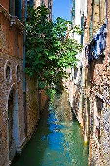Free Canal In Venice Royalty Free Stock Photography - 9219767