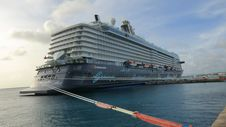 Free MEIN-SCHIFF-5 Cruise Ship @ Kralendijk, Bonaire --well Towed Royalty Free Stock Photography - 92131037