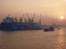 Free Port De Shanghai Stock Photos - 92131273