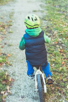 Free Young Boy With Bike Stock Photography - 92131362