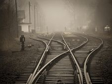 Free Railroad Tracks In City Royalty Free Stock Images - 92160429