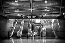 Free Escalators And Stairs Royalty Free Stock Photography - 92160797