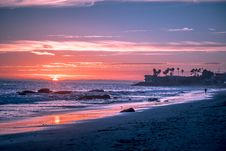 Free Sunset On Tropical Beach Royalty Free Stock Images - 92160819