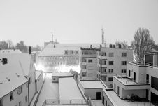 Free Urban Rooftops In Snow Royalty Free Stock Photos - 92161038