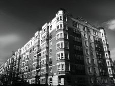 Free Apartment Exterior In Black And White Stock Photography - 92161182