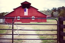 Free Old Red Barn Black Fence Christmas Star American Flag Stock Photography - 92161862