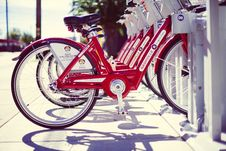 Free Red Bike Public Transportation Shadows Nashville Tennessee Royalty Free Stock Photos - 92161878
