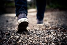 Free Shoes Walking Feet Grey Gravel Blue Jeans Royalty Free Stock Photo - 92162085