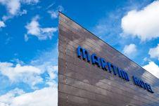 Free Maritim Hotel Exterior Stock Photography - 92174152