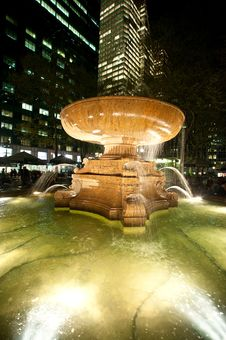 Free Night Fountain Stock Photos - 9220303